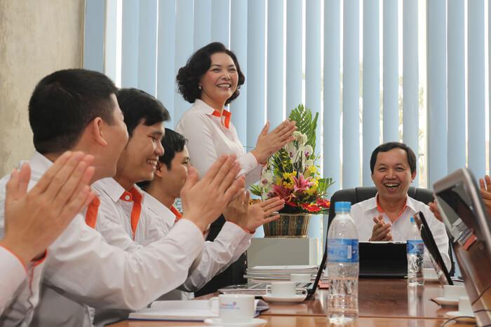 Chup-anh-van-phong-Thu-Do-Group-3